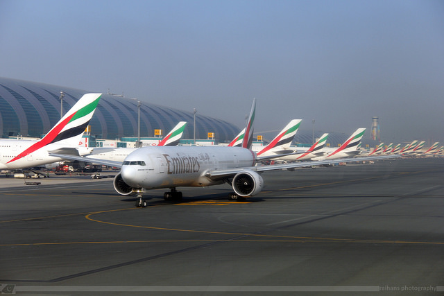 Emirates 777 in Dubai - by Raihan S.R. Bakhsh (Flickr / CC Commercial License)