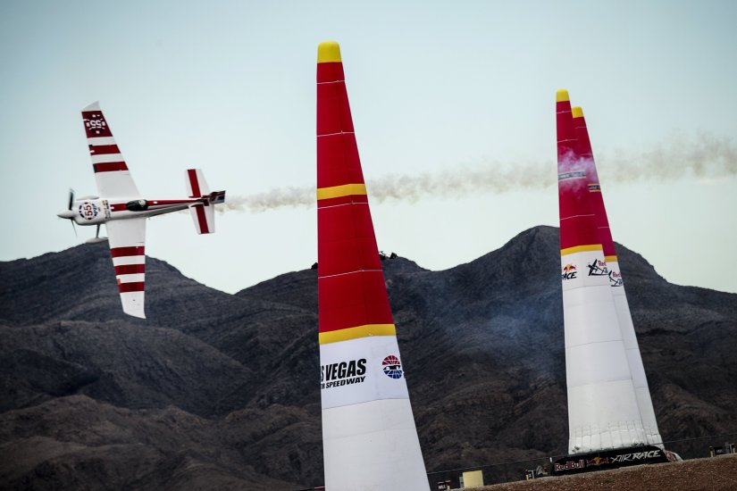 747 Captain Wins 2015 Red Bull Air RaceChampionship